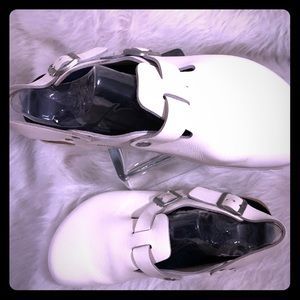 Birkenstock White Leather Clogs  GUC Size 10